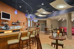 31 Hundred Restaurant & Bar